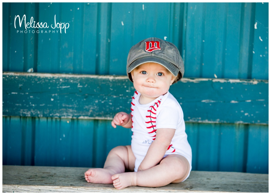 baseball baby carver mn portrait photographer