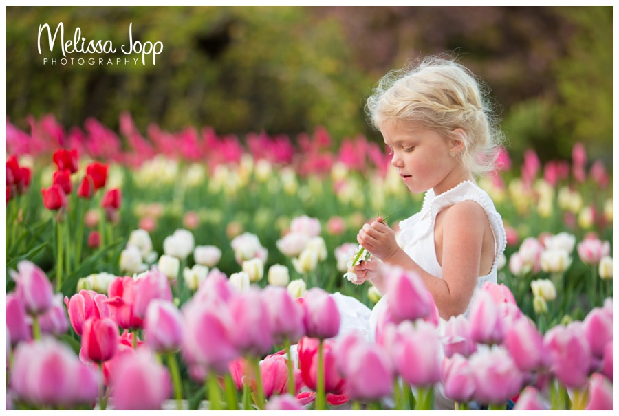 little girl and tulips spring pictures in chanhassen mn