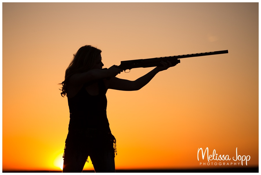 silhouette picture of a girl hunting senior photos waconia mn photographer