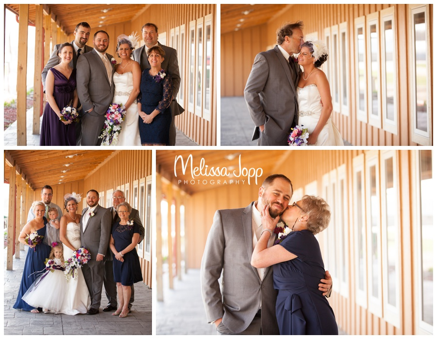 family pictures at crow river winery with mayer mn wedding photographer