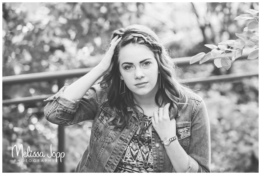 senior pictures by the lake in chanhassen mn with mn senior portrait photographer