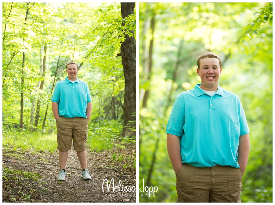 Senior pictures in Chanhassen mn with outdoor scenery
