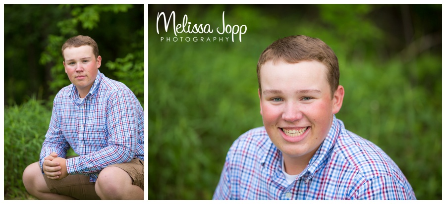outdoor senior pictures in chanhassen mn with family photographer