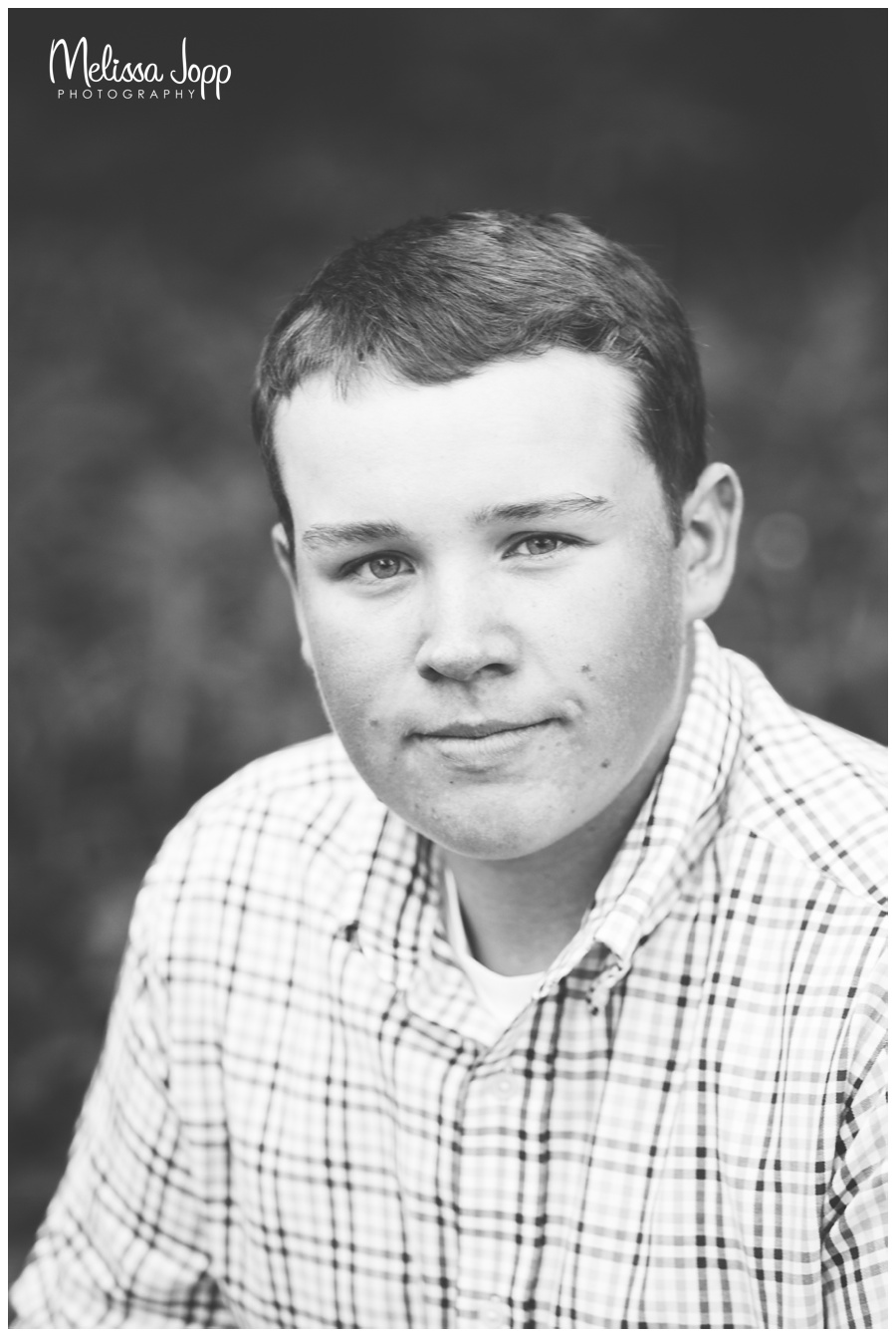 black and white senior pictures in chanhassen mn
