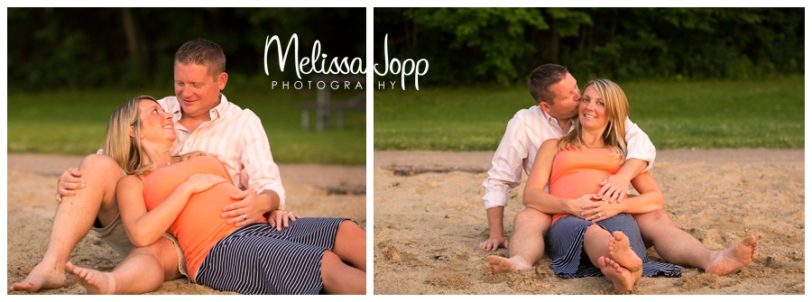 maternity pictures on the beach with chanhassen mn maternity photographer