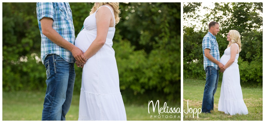 maternity session in the country with mayer mn photographer
