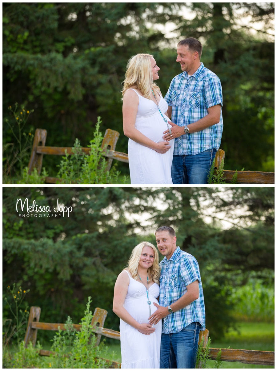 country chic maternity pictures with waconia mn maternity photographer