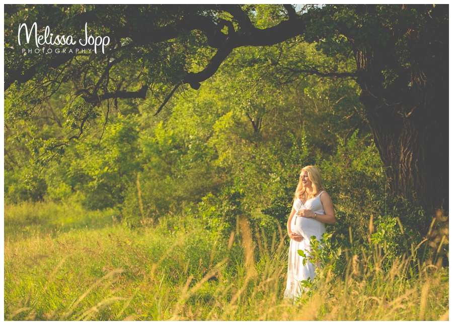 outdoor maternity pictures in Waconia MN