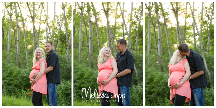 cute maternity pictures in waconia mn with maternity photographer