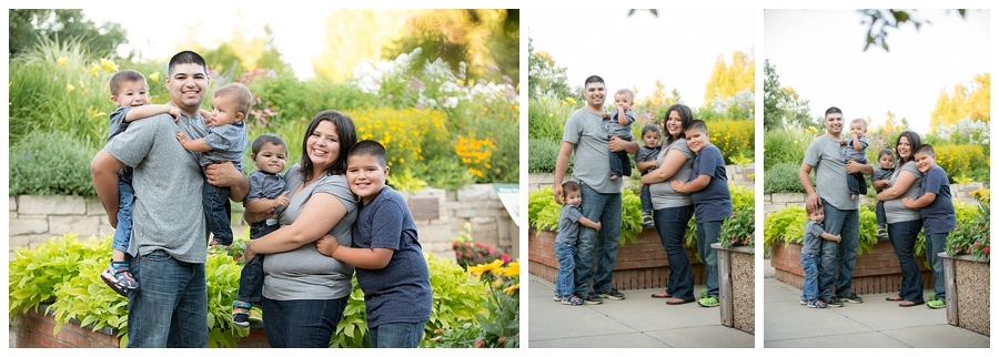 Outdoor Family Pictures at Landscape Arboretum Chaska MN