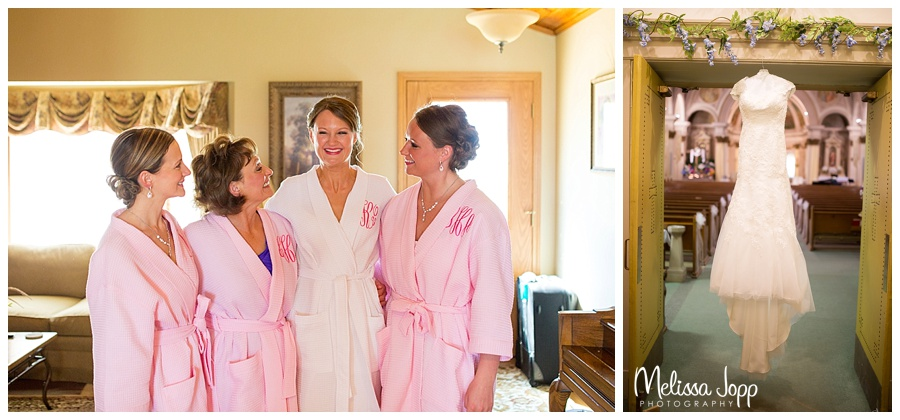 getting ready wedding pictures winsted mn