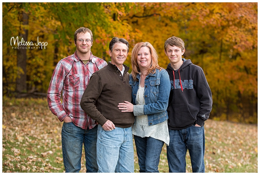 fall outdoor family pictures chanhassen mn