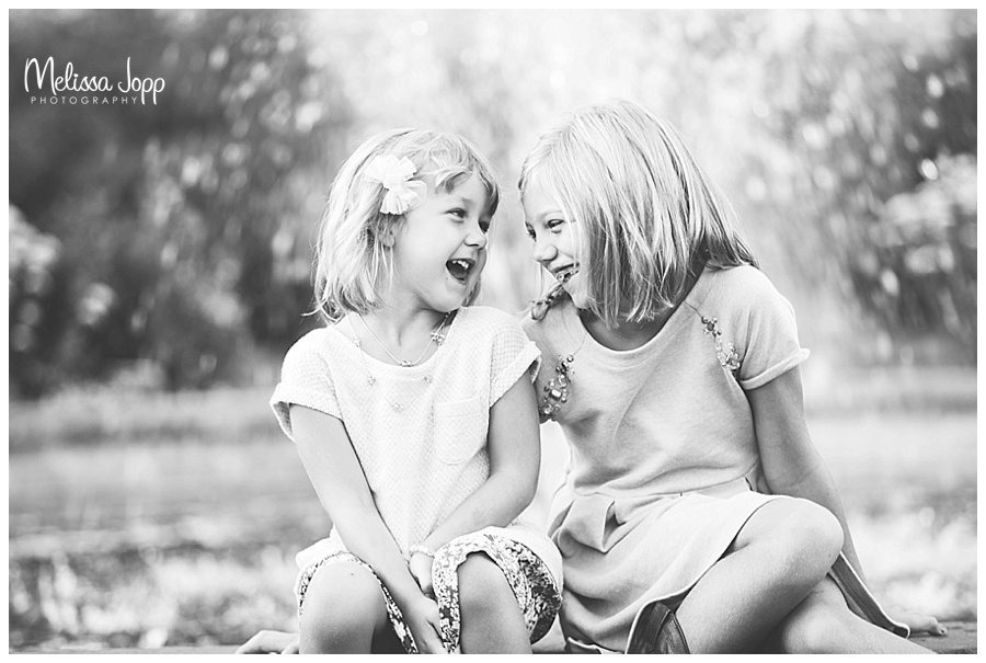 sisters laughing outdoor pictures chaska mn