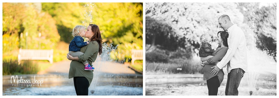 maternity pictures with family by water fountain chaska mn