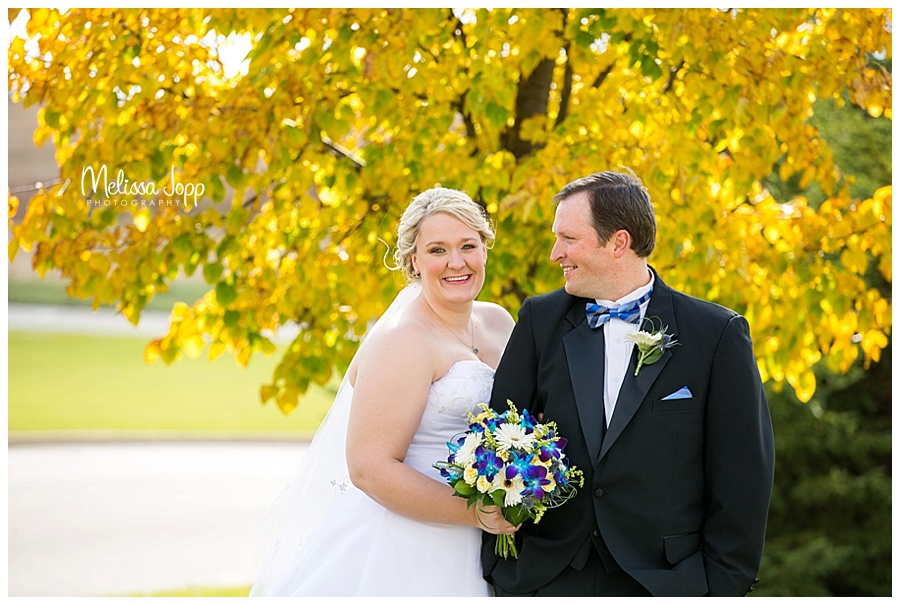 outdoor bride and groom pictures minneapolis mn