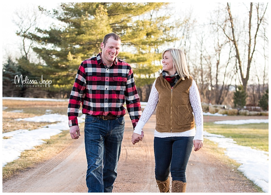 outdoor country style engagement pictures mayer mn
