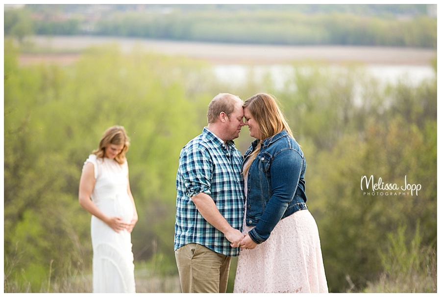 outdoor surrogate maternity pictures eden prairie mn