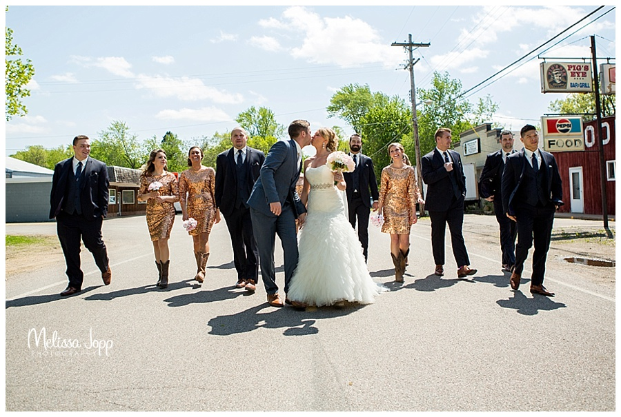fun wedding pictures carver county mn