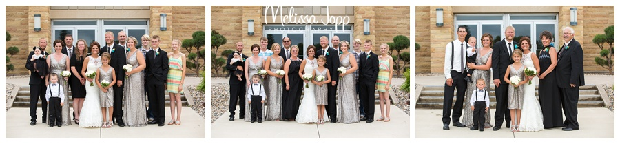 outdoor family wedding pictures mn